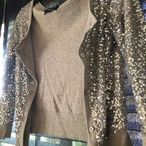 Comfortable cardigan with a sparkle